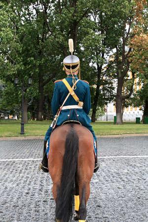 cavalryman: El desfile en cavalryman en Kremlin, Rusia  Foto de archivo