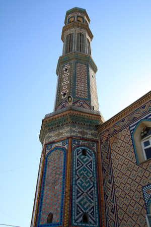 prayer tower: La preghiera a torre estate, sul cielo di sfondo  Archivio Fotografico