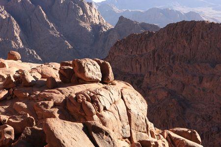 mount sinai: Monte Sinai Visualizza un anello complesso costituito da Graniti alcaline intaccati in roccia diversi tipi, tra cui il vulcanismo