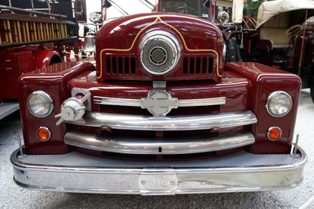 camion pompier: Old American camion incendie dans un mus�e  Banque d'images