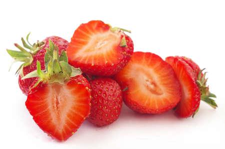 Verse aardbeien geïsoleerd op een witte achtergrond.