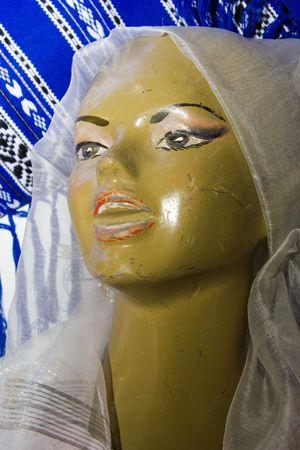 manequin: Woman. Manequin. Portrait. Cry.
