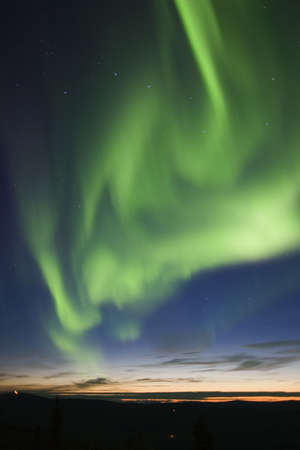 the aurora: active auroral display and big dipper