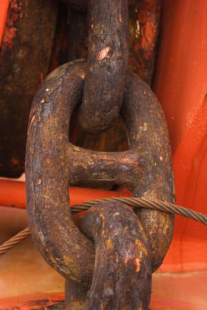 corrosion: Saltwater corrosion on anchor chains - rust
