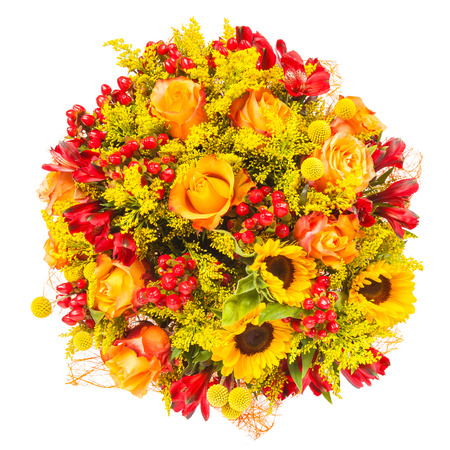 bouquet fleur: belles fleurs fra�ches color�es bouquet isol� sur fond blanc Banque d'images