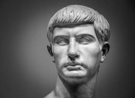 escultura romana: escultura de m�rmol romano de Marco Junio ??Bruto.