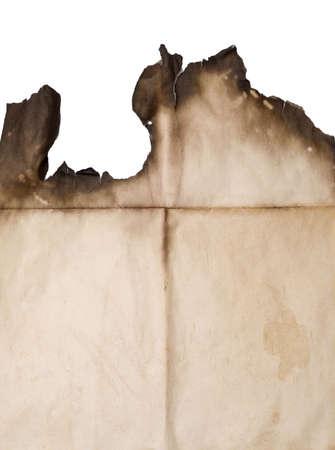 verbrand papier geïsoleerd op witte achtergrond