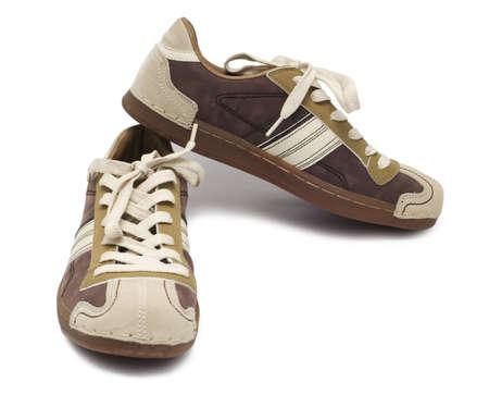 paar sneakers geïsoleerd op wit