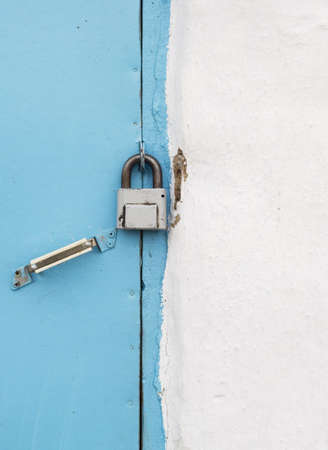 old lock and paint wooden door Stock Photo - 2957068