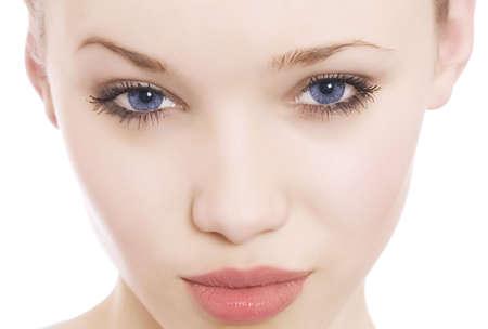 close-up portret van een vrouw in het mooie blauwe ogen