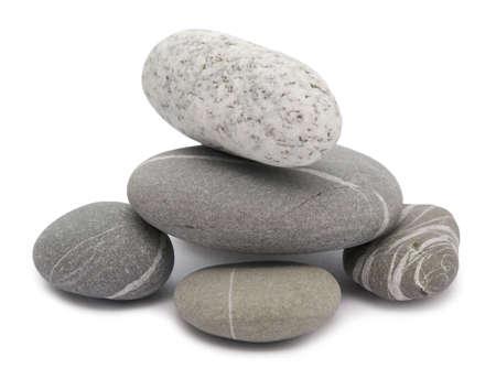 Kies-Steine auf einem weißen Hintergrund