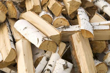 Haufen von Brennholz Birke