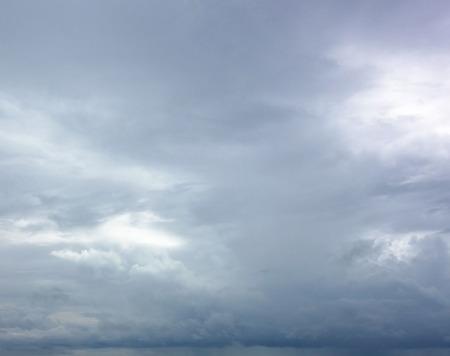 cielo y mar: cielo tormentoso