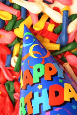bonne:  Birthday scene - hat and balloons