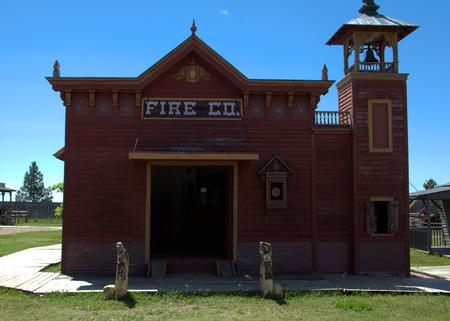 estacion de bomberos: Una vieja estaci�n de bomberos al oeste de Dakota del Sur. Editorial