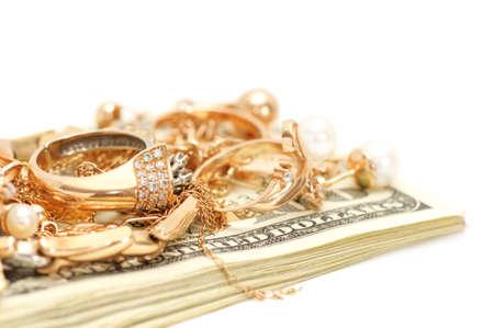 bijoux diamant: Ornements d'or et d'argent isol� sur un fond blanc.