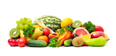 verduras verdes: Colecci�n de frutas y hortalizas en blanco Foto de archivo