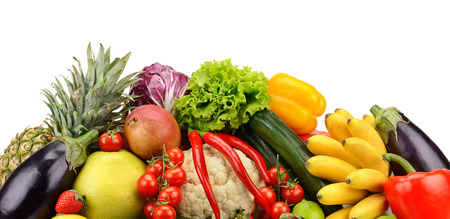 l�gumes verts: assortiment de fruits frais et de l�gumes isol� sur blanc Banque d'images