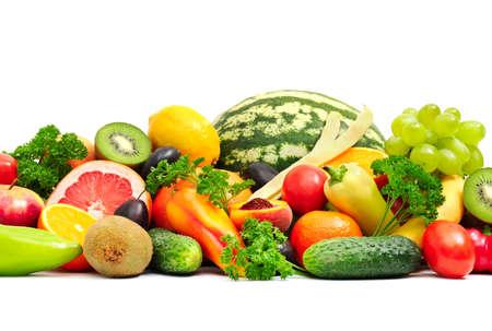 verduras verdes: Colección de frutas y hortalizas en blanco Foto de archivo