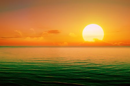 coucher de soleil: Beau coucher de soleil au-dessus de la mer.                                     Banque d'images