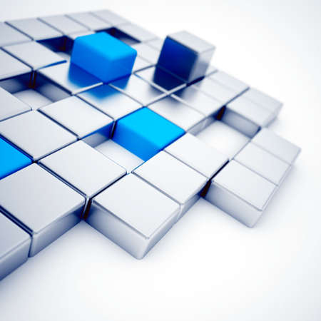 startpunt: Abstracte zilver en blauwe metalen kubussen op een wit Stockfoto