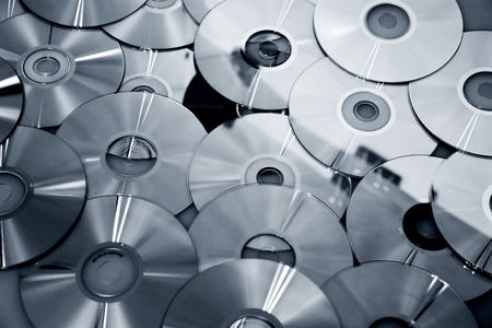 recordable media: technological background of the many new CDs