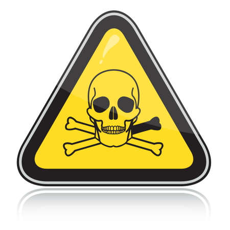 hazardous waste: Giallo segnale di avvertimento triangolare con un teschio. Attenzione tossico, veleno.