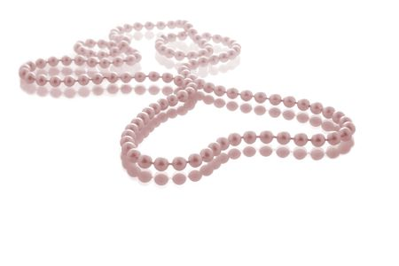 tinge: Pearl string in heart shape with pink tinge