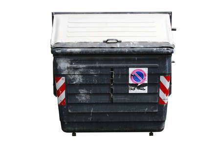 separacion de basura: Old maltratadas wheelie bin aislados en blanco con par�lisis cerebral