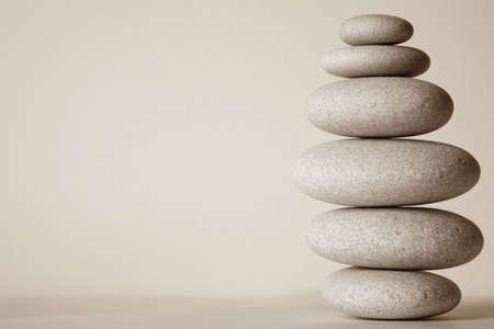 balanza: De pila de piedra en color sepia Foto de archivo