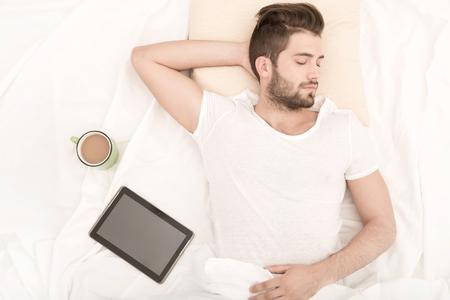 dormir: Tomando una siesta  Foto de archivo