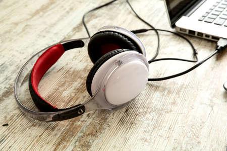 auriculares: Ministerio del Interior