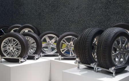 pneumatic tyres: Aluminum sport wheels