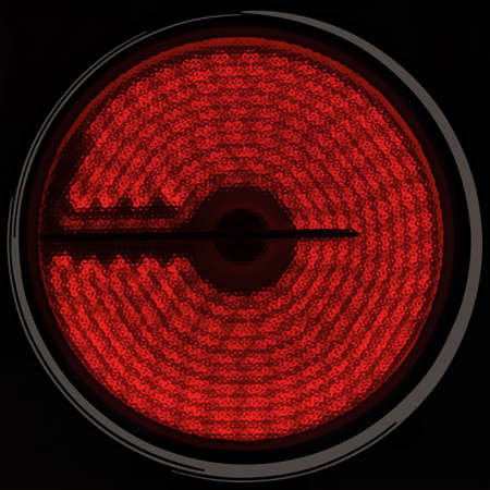 Infrarot-Ofen Plate isolated on black background Standard-Bild