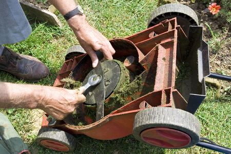 mower: Correcting the lawn mower knife