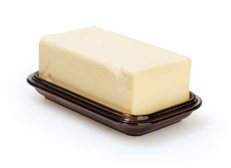 mantequilla: Plato de mantequilla aisladas sobre fondo blanco