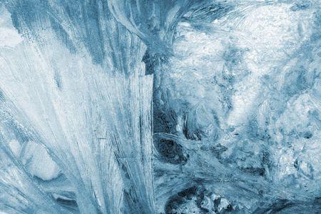 bedeck: blue winter ice