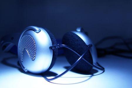 tweeter: earphones