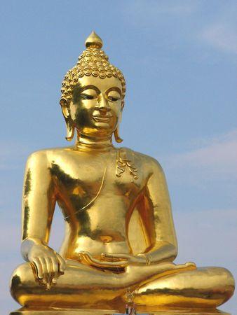 revere: Buddha statue in northern Thailand