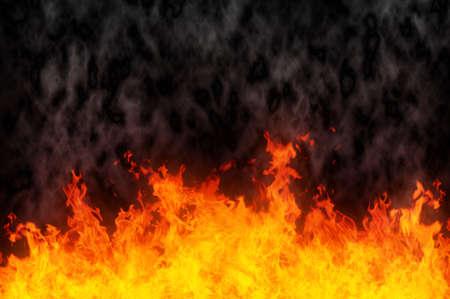 llamas de fuego: Imagen de un voraz incendio y humo