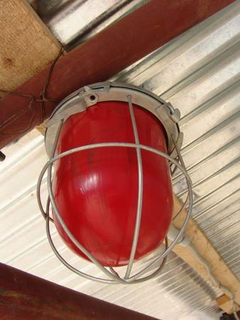 signalering: Een lamp op een bouwplaats signalering een gevaarlijke zone