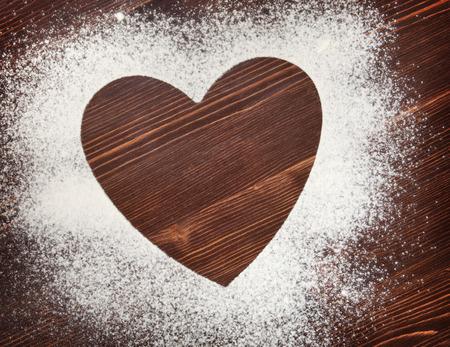 flour: Corazón de la harina en el tablero de edad