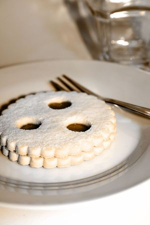 Linzer Auge - Austrian dessert photo