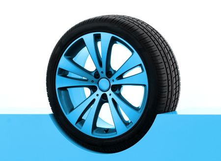 pneumatic tyres: Car rim and tire Stock Photo
