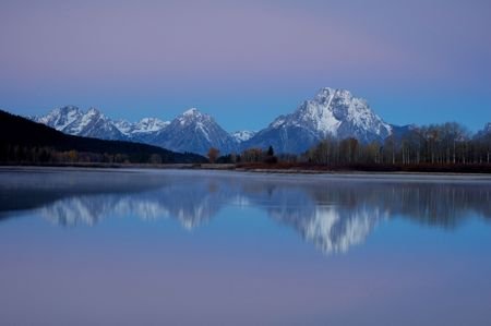 oxbow bend: Sunrise at the Oxbow Bend of the Snake River, Grand Tetons National Park, Wyoming