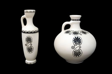vasi greci: Due vasi greci con modello, isolato su fondo nero