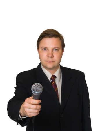 reportero: Periodista con micr�fono aisladas sobre fondo blanco