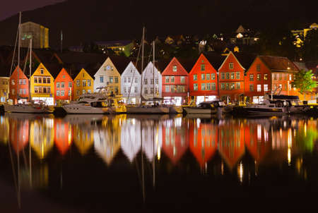 norge: Famous Bryggen street in Bergen Norway - architecture background