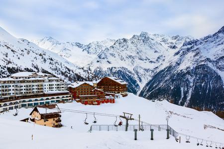 Mountains Skigebiet S?lden ?sterreich - Natur und Architektur Hintergrund Lizenzfreie Bilder