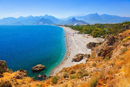 pavo: Playa en Antalya, Turquía - fondo de viajes